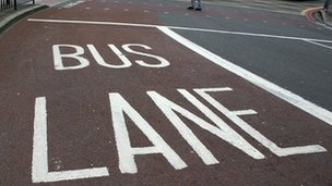 The UK Bus Industry ; At The Crossroads